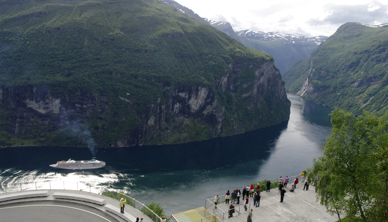 Panorama Bus Geiranger Norway Sightseeing By Bus Viewpoints