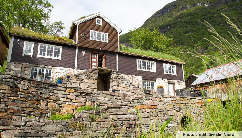 Farm & Hjem BESØK